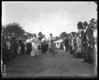 Fat women's race, Orchard Beach, Bronx, N.Y., 1907.