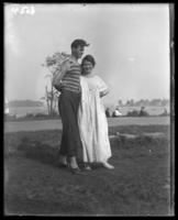 Unidentified young couple near the beach, Orchard Beach, Bronx, N.Y., 1915.