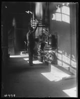 Interior of the Northern Gaslight Company plant in West Farms, Bronx, N.Y., undated [c. 1900].