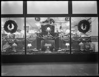 United Electric Light & Power Company shop window, decorated for Christmas, New York City, undated, [December 1915].
