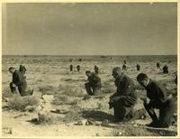 Polish soldiers during Mass in the desert of Gazala