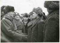 General Władysław Sikorski, Polish Premier, chats with infantrymen of the new Polish army in exile