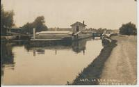 LOCK ON ERIE CANAL. PORT BYRON NY [handwritten front caption] (1front) [e0084ac1]